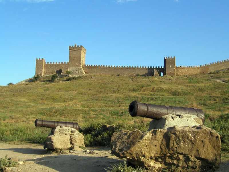 Споруди на території фортеці