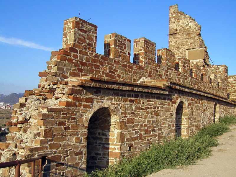 2004 р. Прясло муру між баштами № 6 та…