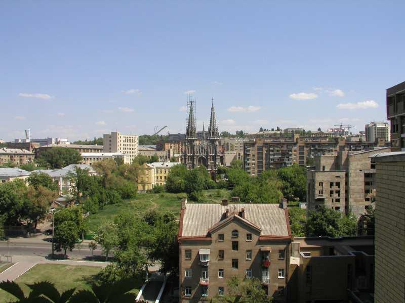 [Перед 2006 р.] Костел в панорамі міста