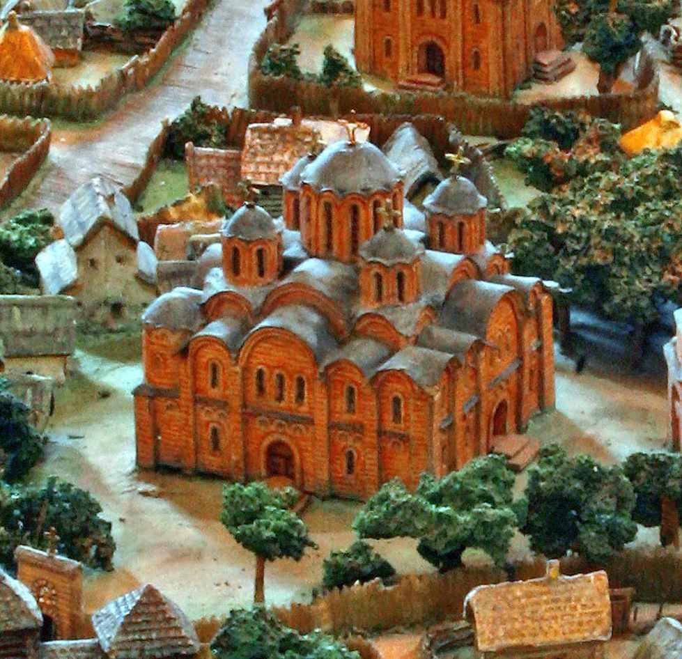 Невідома церква на новому княжому дворі