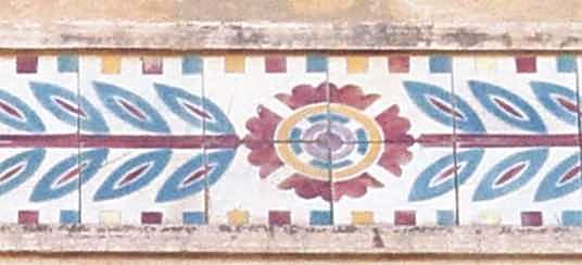 Орнамент з поливних плиток