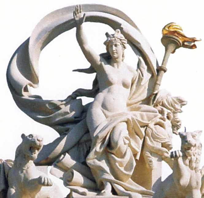 Богиня зі смолоскипом
