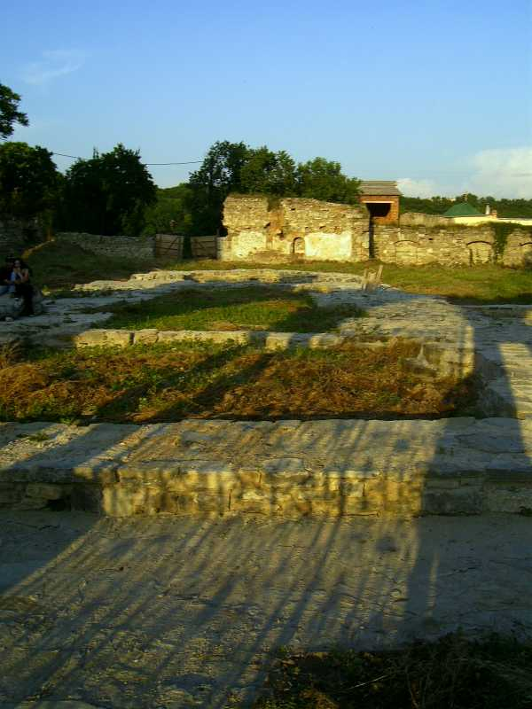 2007 р. Законсервовані рештки церкви.…
