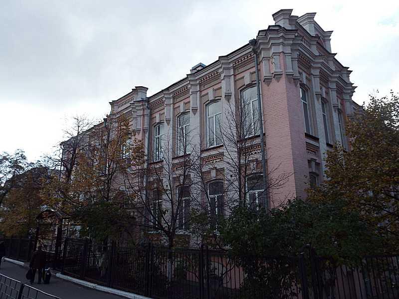 Фасад по вул. Предславинській