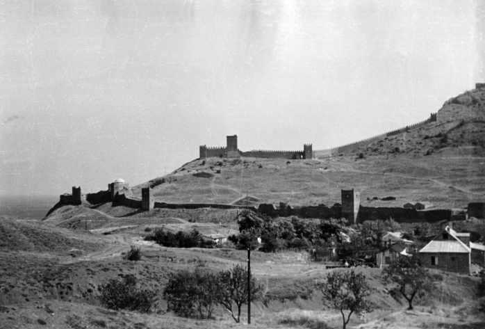 1969 р. Консульський замок і східна…