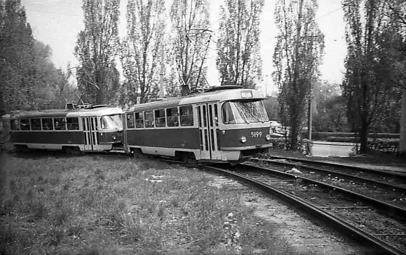 1974 р. Трамвай на Наводницькій площі