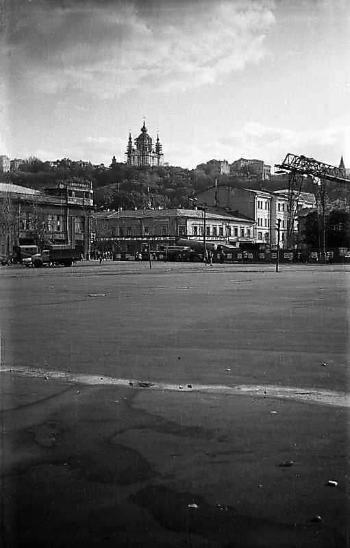 1975 р. Південна частина Контрактової…