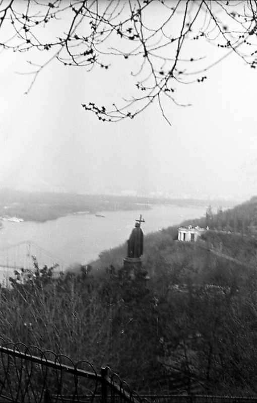 1976 р. Вид на Дніпро та пам'ятник кн.Володимиру