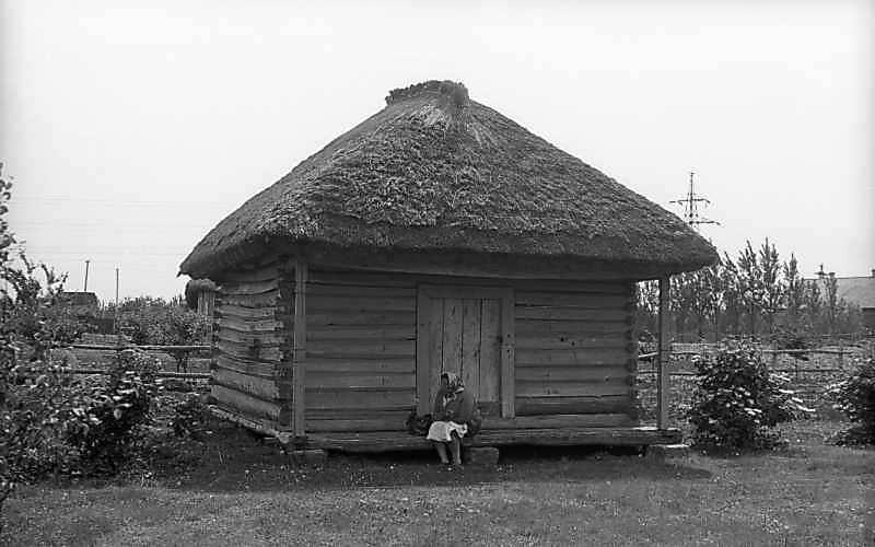 1976 р. Комора. Загальний вигляд