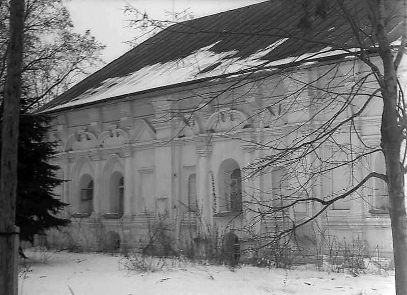 1977 р. Південний фасад. Вигляд з південного сходу