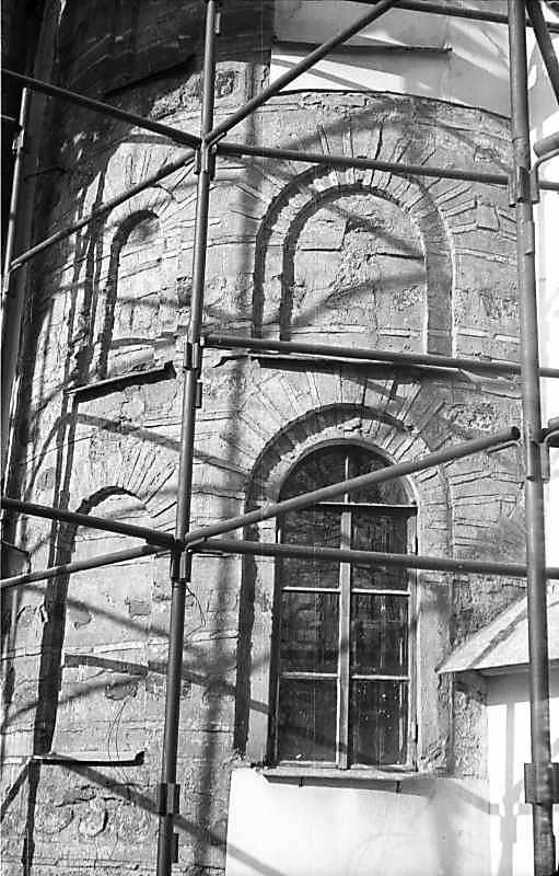1977 р. Південно-східна внутрішня апсида. Вигляд з північного сходу