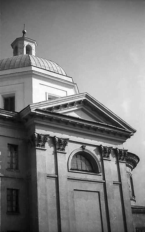 1977 р. Бічний фасад. Вигляд з позиції…