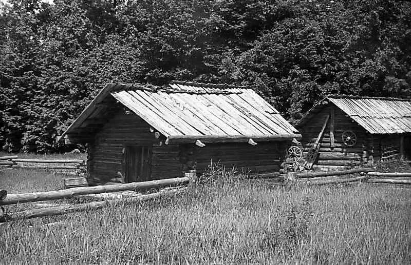 1977 р. Загальний вигляд (праворуч –…