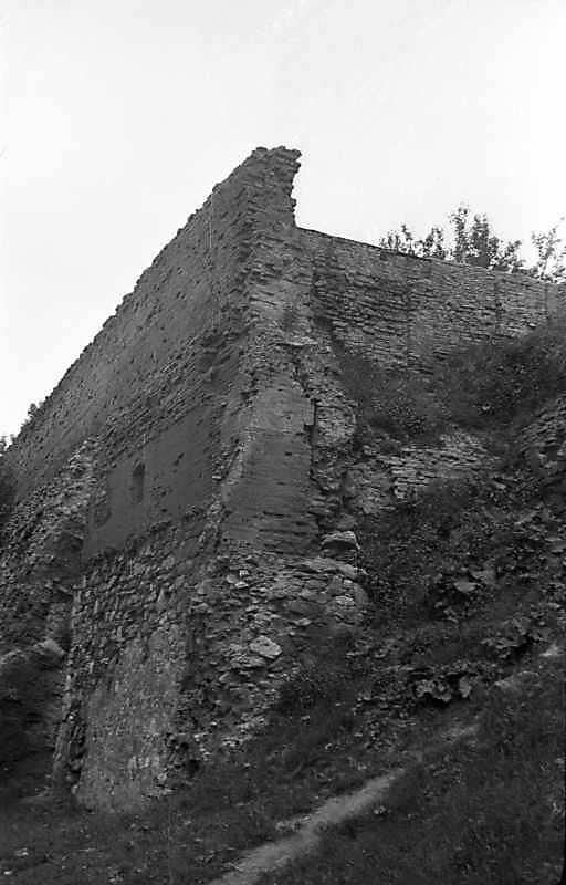 1977 р. Залишки західної башти. Вигляд…