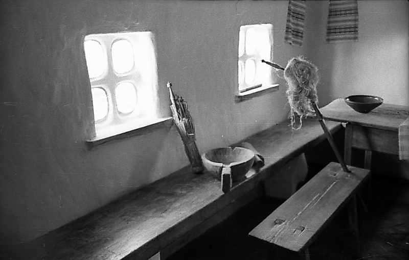 1977 р. Лава уздовж стіни
