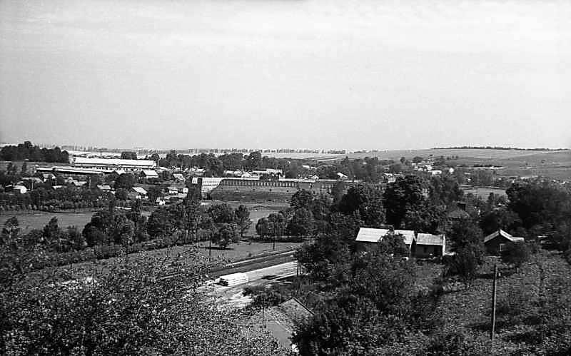 1977 р. Панорама села із замком.…