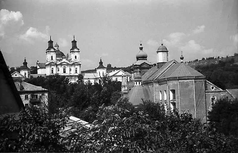 1977 р. Вид на центр міста зі схилу Замкової гори