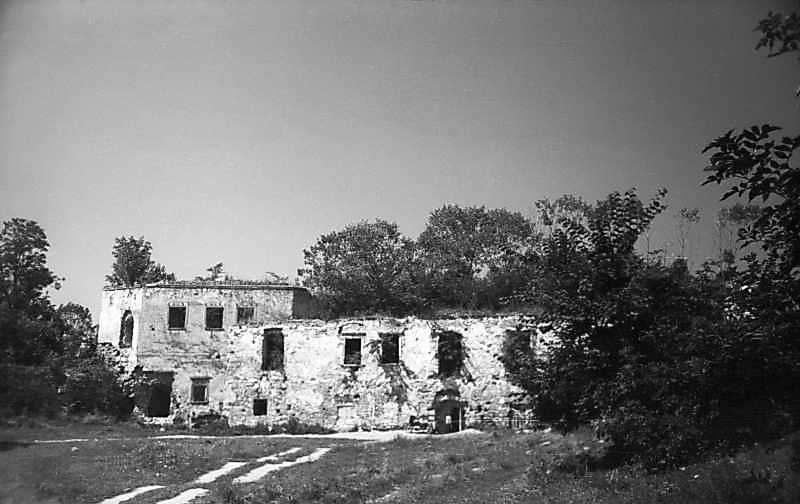 1977 р. Башта 6 і корпус 15. Вигляд зі…