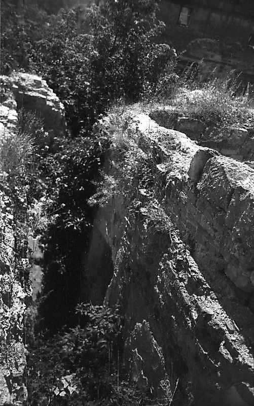 1977 р. Внутрішнє приміщення башти 1. Вигляд з верху стіни