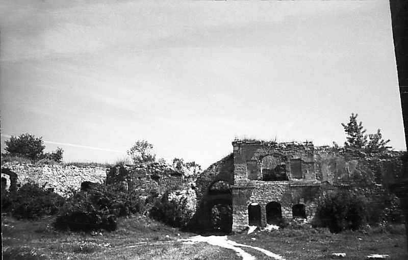 1977 р. Корпус 13, прясло і брама 2, башта 1. Вигляд з південного заходу