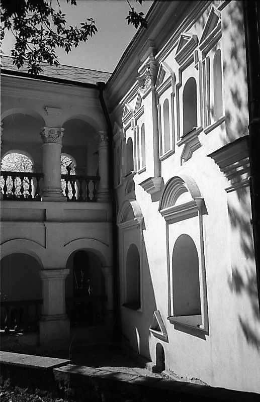 1978 р. Головний фасад у ракурсі