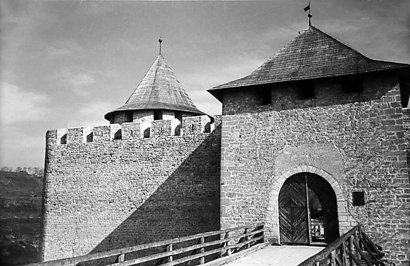 1978 р. Міст і башта. Загальний вигляд з півдня