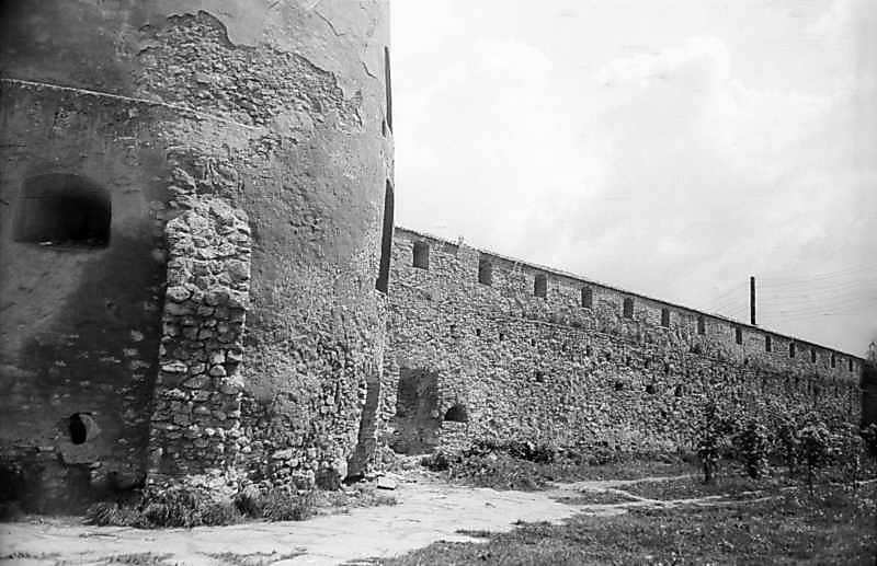 1978 р. Північно-східна башта і…