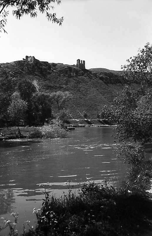 1978 р. Вид на Збруч і замок зі сходу