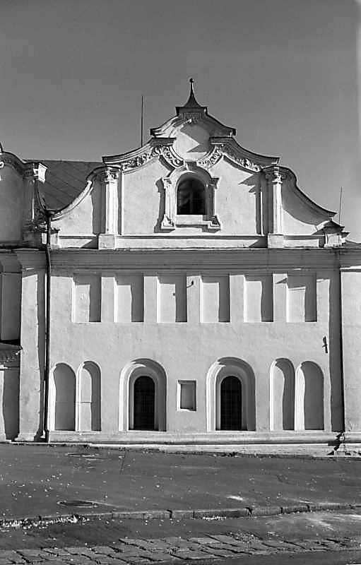 1978 р. Фрагмент західного фасаду з…