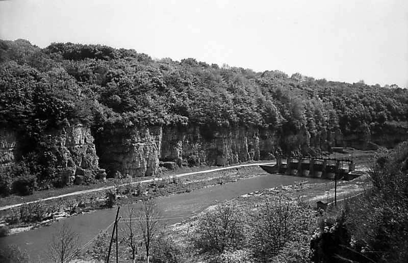 1979 р. Вид на Смотрич із загатою (біля Нового моста ?)