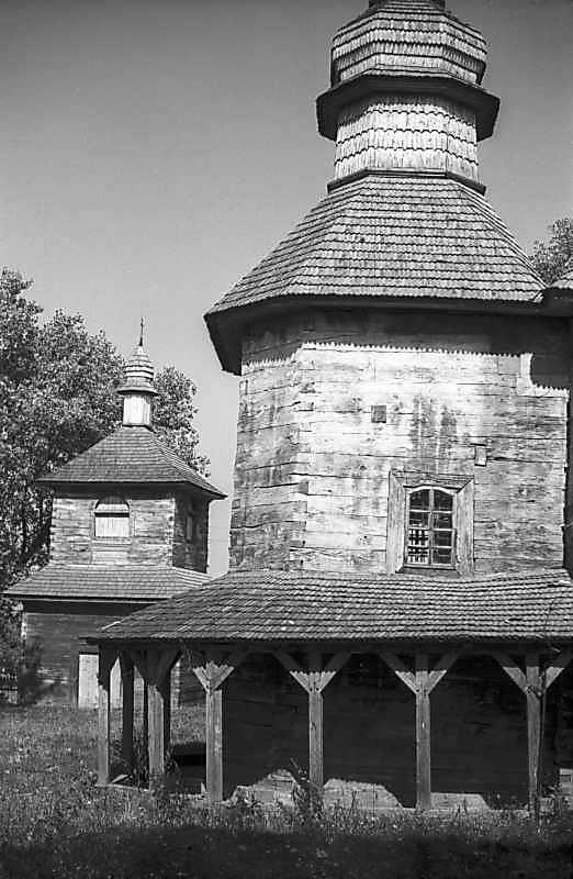 1979 р. Дзвіниця і бабинець. Вигляд з півдня