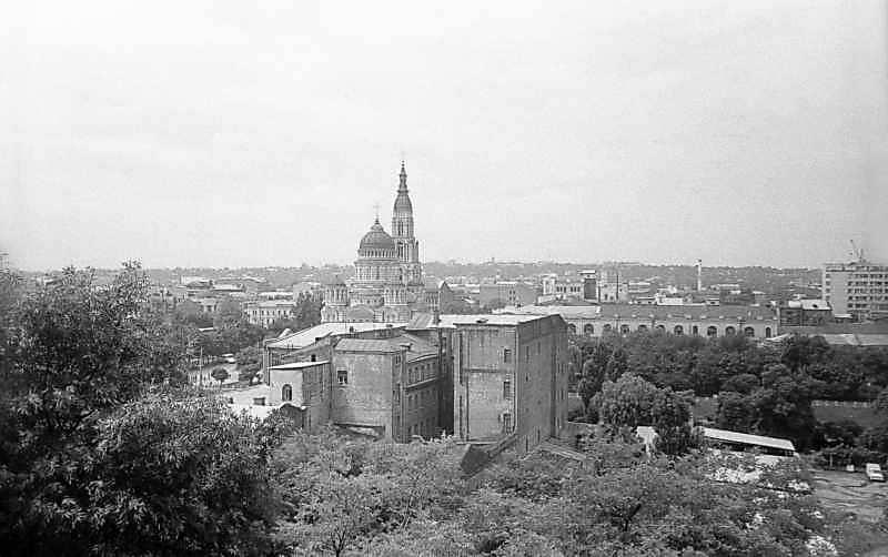 1983 р. Церква в панорамі міста.…