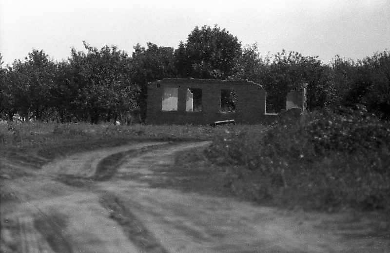 1983 р. Зруйнована хата біля Кіровограда