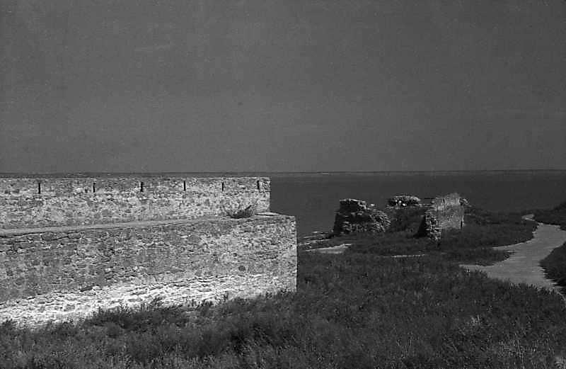 1984 р. Фрагмент муру 19 і барбакану.…