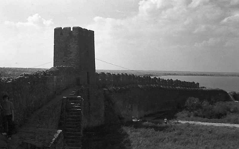 1984 р. Середній мур та башта 23.…