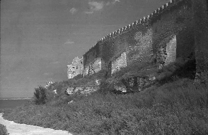 1984 р. Північний фронт між баштами 25 та 18. Вигляд з південного заходу