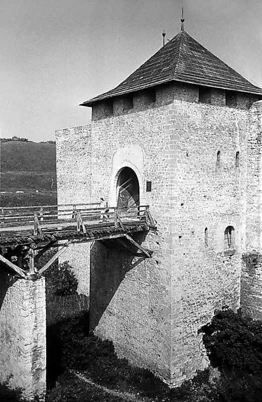 1985 р. Міст і башта. Загальний вигляд…
