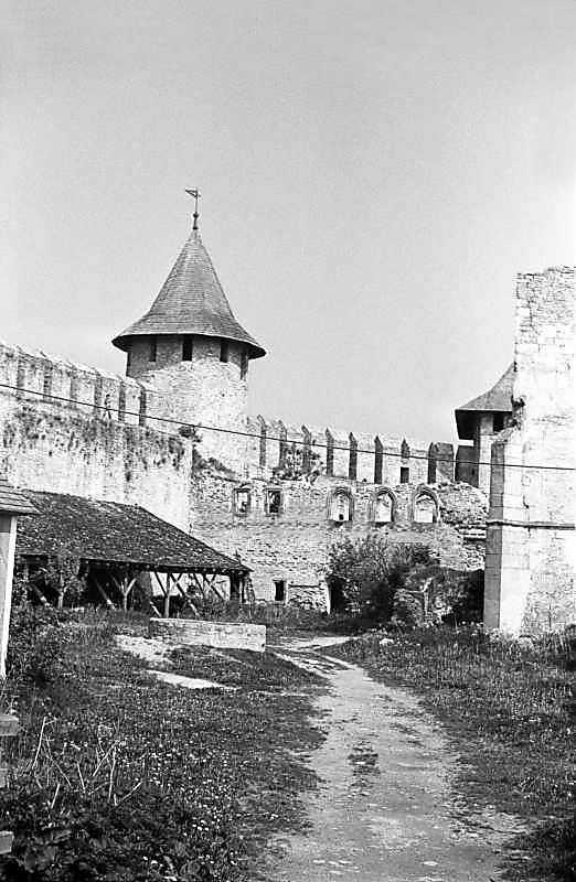 1985 р. Комендантська башта і палац. Вигляд з півдня