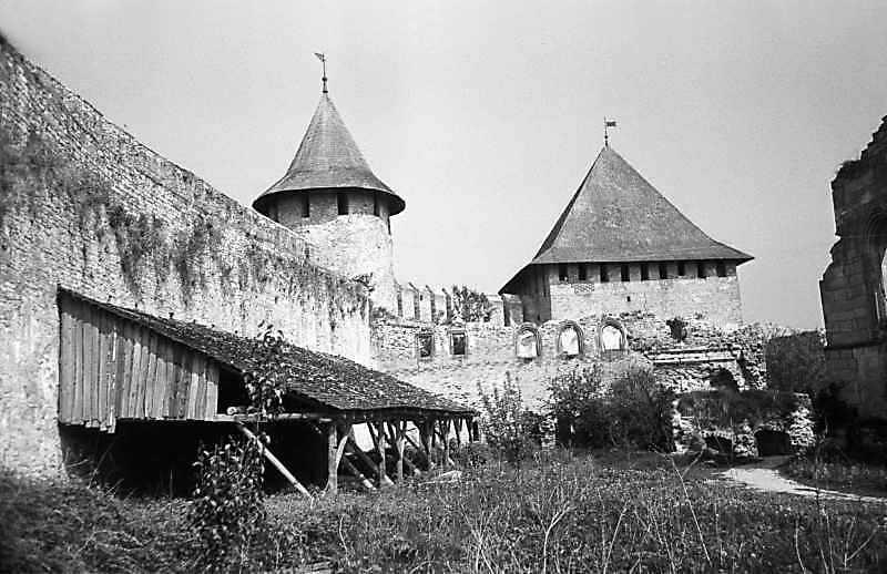 1978 р. Комендатська башта, палац, північна башта. Вигляд з півдня