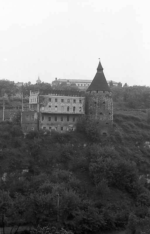 1985 р. Гончарська башта і синагога.…