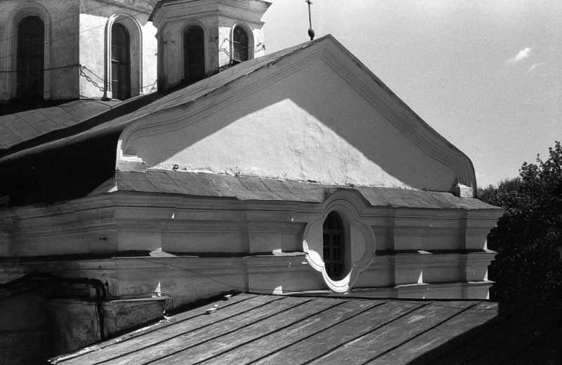1986 р. Західний фронтон. Вигляд з північного заходу