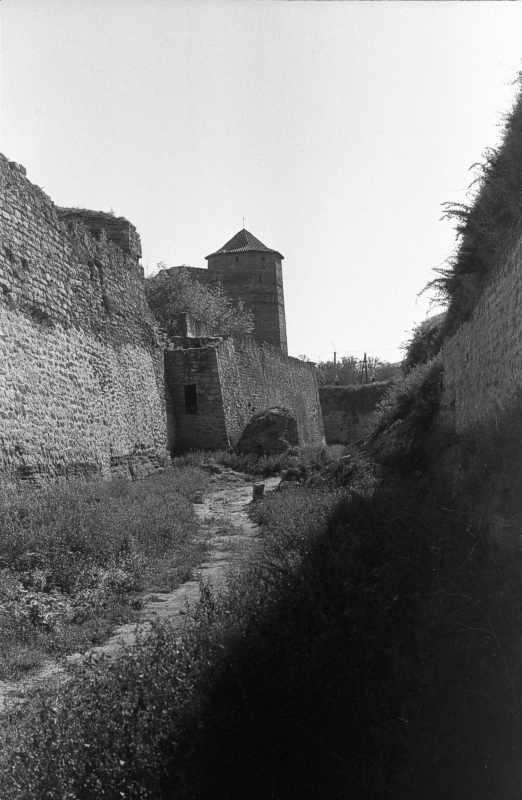 1986 р. Південний фронт з баштами 8,…