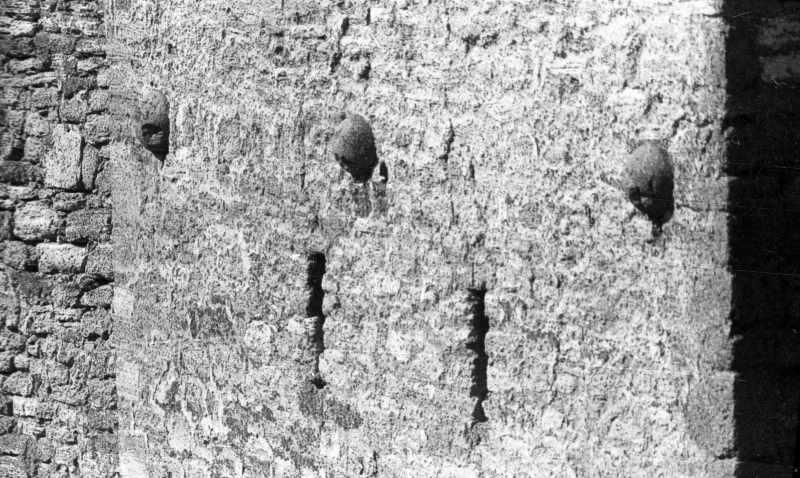 1986 р. Фрагмент східної стіни нижньої башти. Вигляд з північного сходу
