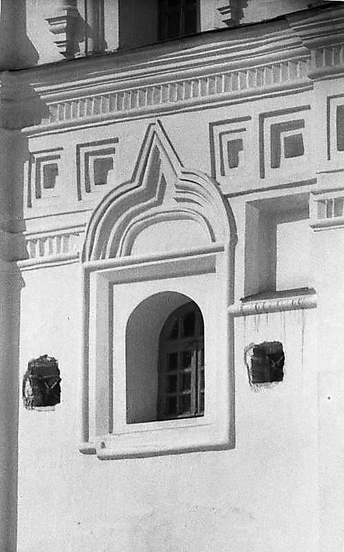 1987 р. Вікно 1-го ярусу дзвіниці.…