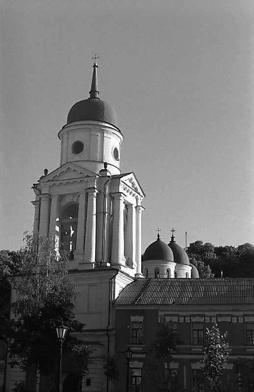 1987 р. Дзвіниця і собор. Загальний вигляд зі сходу