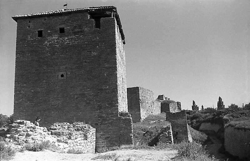 1987 р. Західний фронт з баштами 15 – 13. Вигляд з північного заходу
