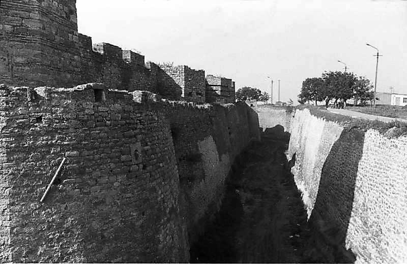 1987 р. Південна ділянка східного фронту з баштами 5, 4. Вигляд з півдня