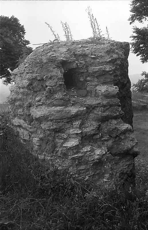 1988 р. Фрагмент чільного муру. Вигляд із заходу