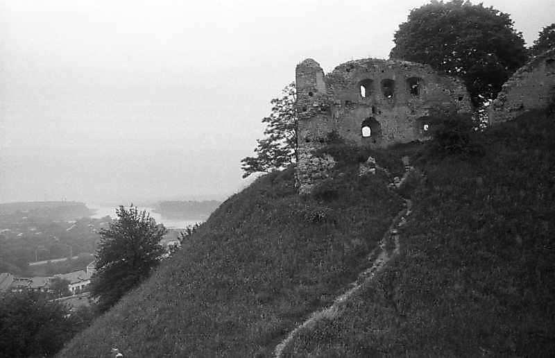 1988 р. Башта на тлі Дністра. Вигляд з…