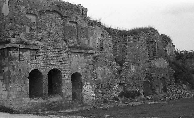 1988 р. Башта 1 і корпус 12. Вигляд із заходу
